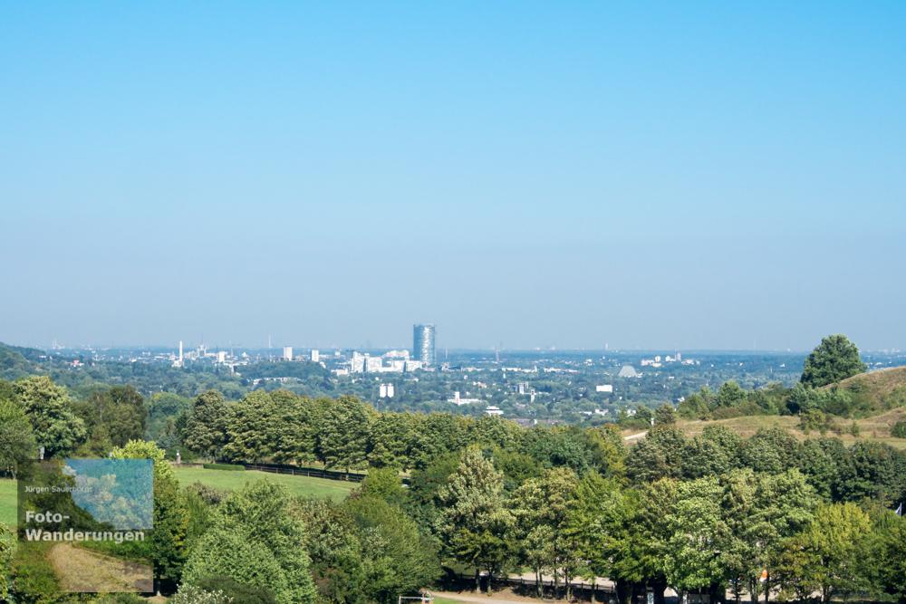 Blick auf Bonn - man erkennt deutlich den Telekom-Tower