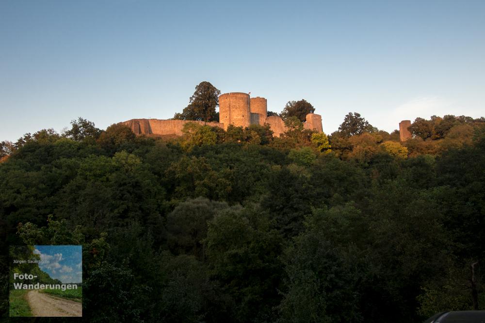 Ein abschließender Blick auf die Burg im Abendsonnenschein