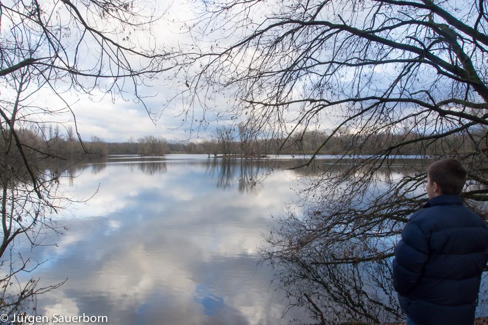 An der ersten Abzweigung nach rechts und schon ist man am Sieglarer See